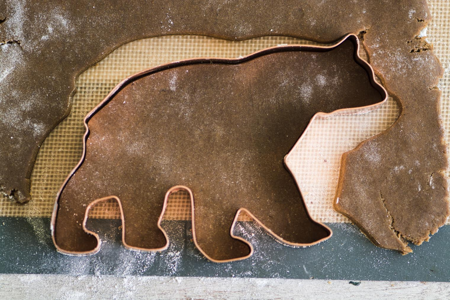 Easy Gingerbread Cookies with Royal Icing