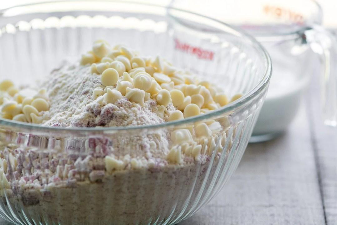 making white chocolate raspberry scones