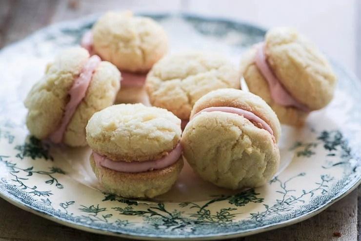 Roasted Rhubarb Lady's Kiss Cookies (baci di dama)