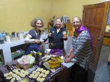 sue-lynn-val-make-dinner-preparations