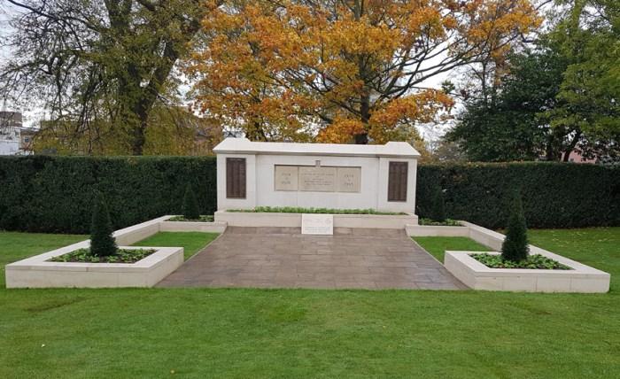 Dunstable And World War One. Refurbished Dunstable War Memorial.
