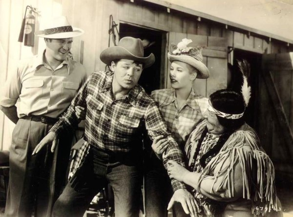 """Dennis Morgan and Jack Carson are just """"Two Guys from Texas"""""""