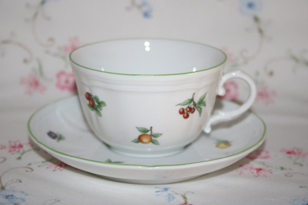 Richard Ginori Eden pattern of little fruits is based on the original Italian Fruit design from 1750, it is hand painted porcelain on Antico Doccia shape.