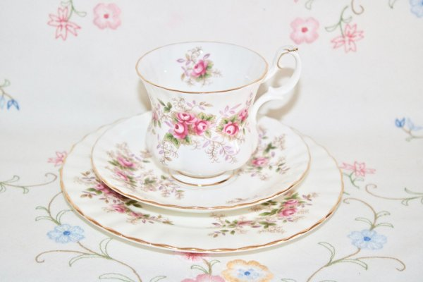 Royal Albert Lavender Rose coffee