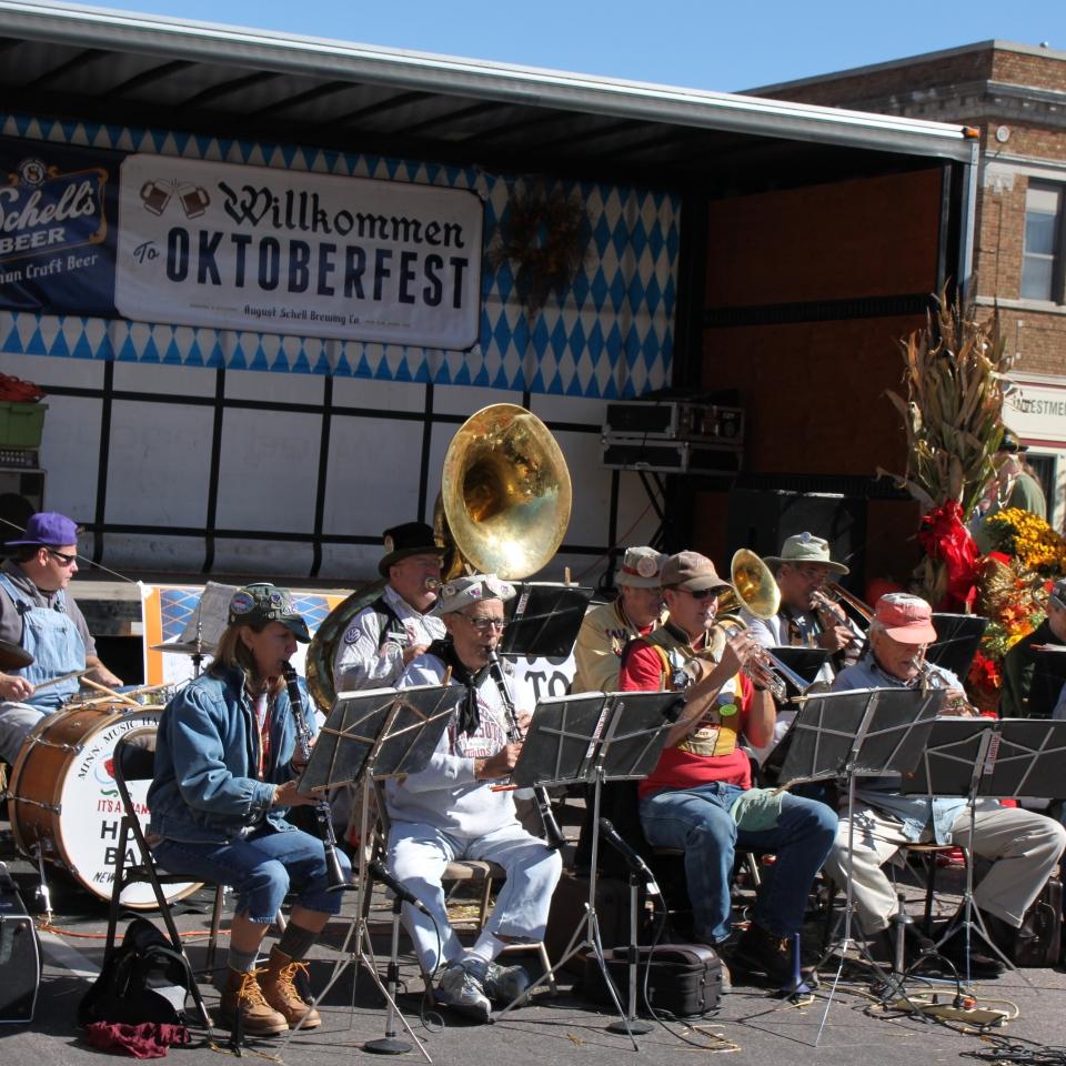 Oktoberfest New Ulm polka band (1)