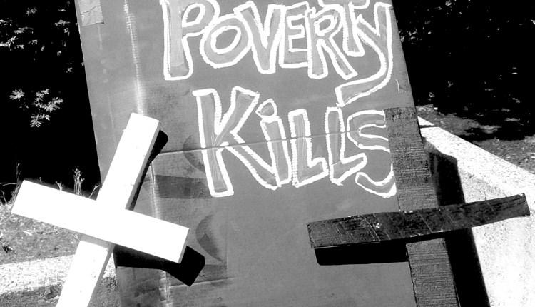 pg17_homelessdeaths_povertykillscoffin_grey