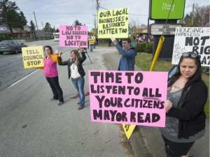 drury-maple-ridge-property-owners-protest-a-proposed-homeless-shelter_vansun
