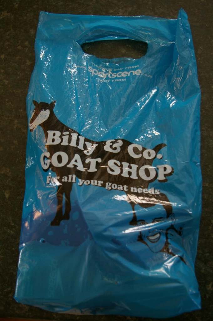 This is a bag from www.sportscene.co.za not from Billy & Co. GOAT SHOP For all your goat needs