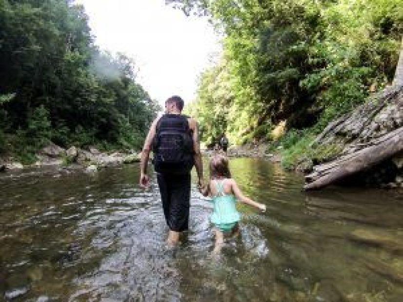 Hiking Cummins Falls