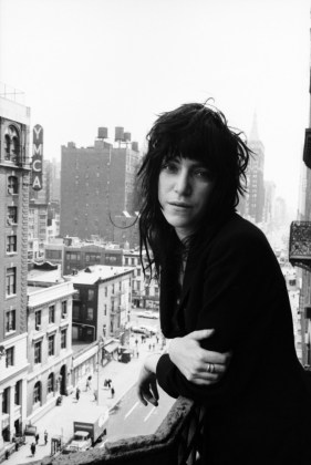 Patti-Smith-1971-New-York-The-Estate-of-David-Gahr-Premium-Access-Getty-Images-138360606-e1339183096385