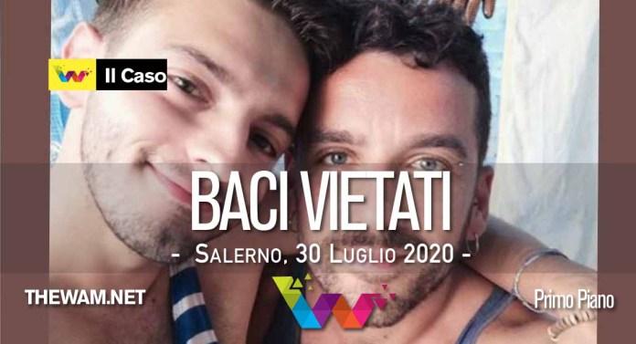 Copia gay si bacia in discoteca. Cacciata via: le scuse del sindaco