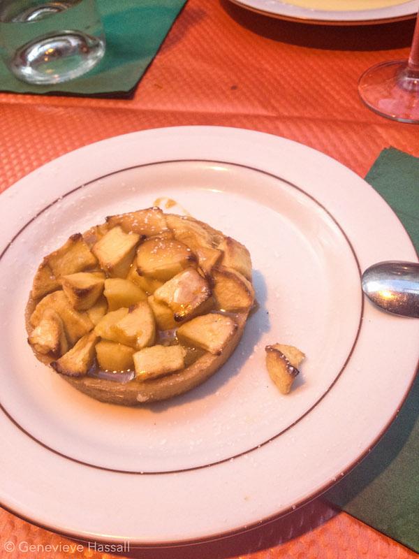 Tarte aux pommes in Paris