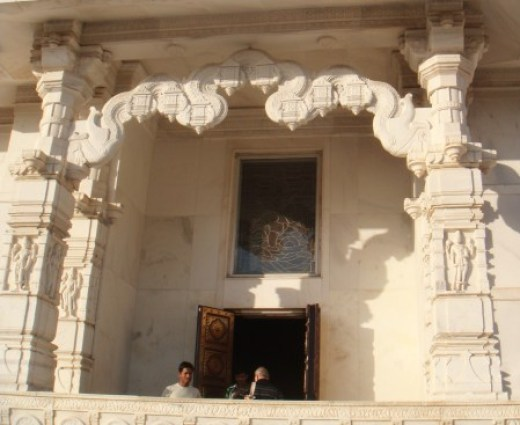 birla-mandir-entrance
