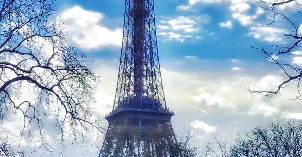 Eiffel-Tower-Cloudy