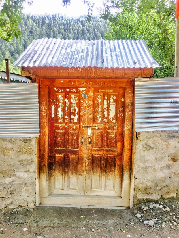 Sangla Valley Kinnaur | A door's entry in Sangla valley Himachal Pradesh India