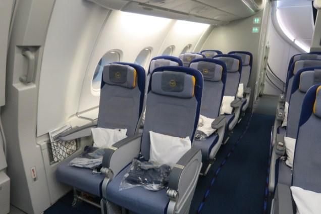 Lufthansa airline economy class review | Lufthansa-Economy-Seats