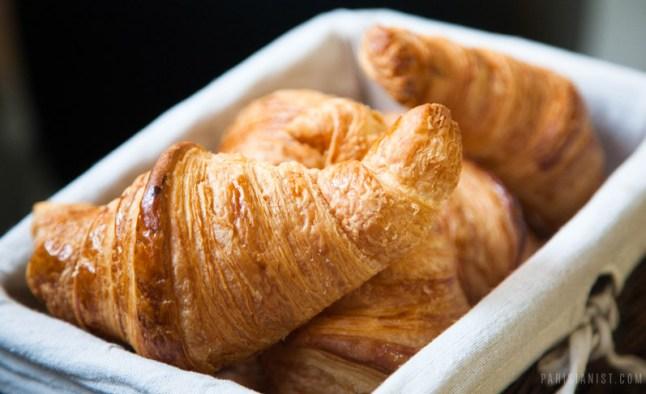Must try European Delicacies   top-5-best-croissants-in-paris-5