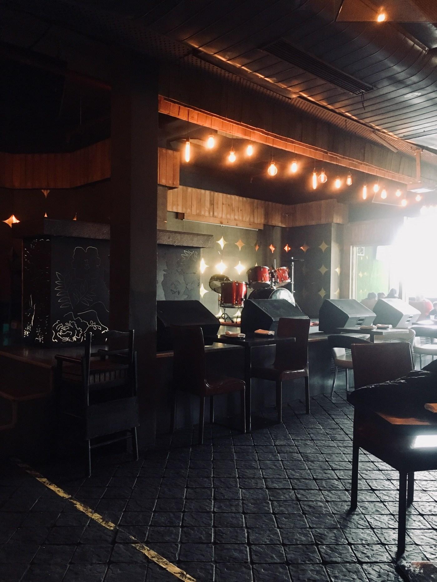 Farzi Cafe Stage
