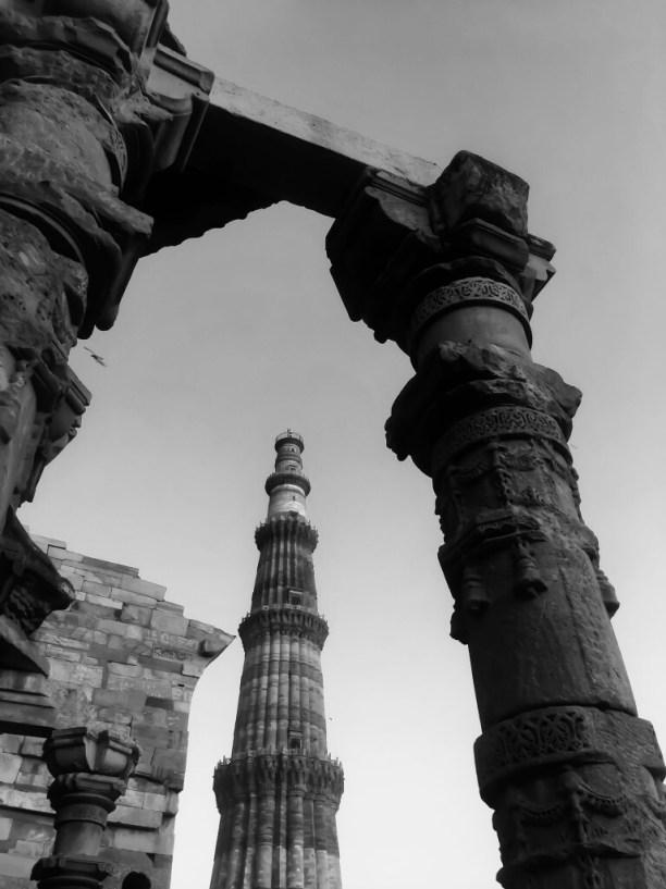 Qutub Minar, Delhi, India || Qutub Minar in Black and white
