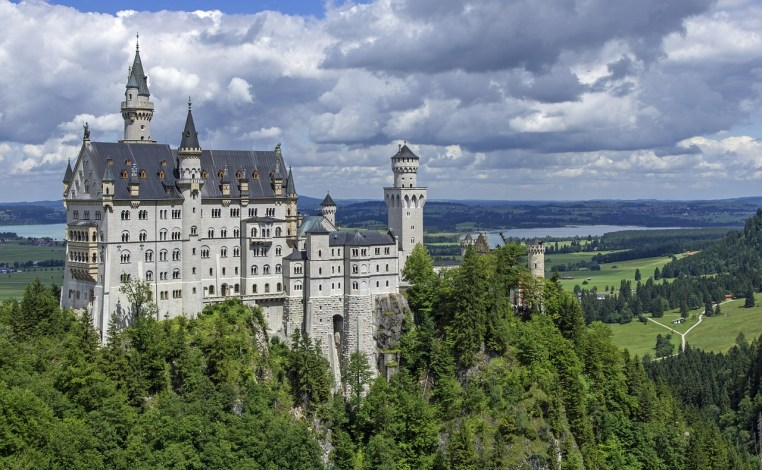 neuschwanstein-castle-germany | Places to visit before I die | places to visit before you die