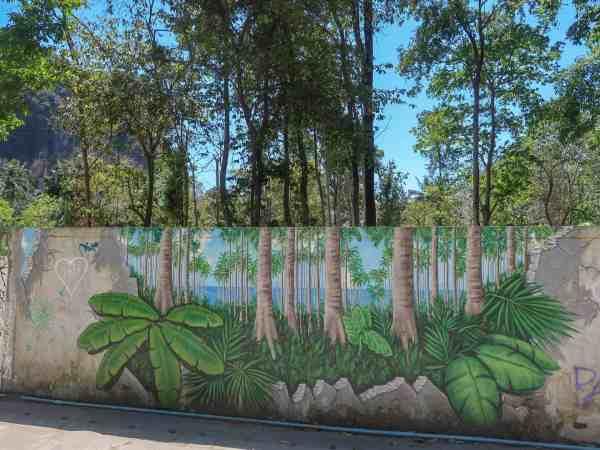 tonsai beach wall