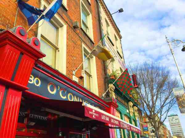 best pubs in Dublin for live music, Outside of O'Connell Bar