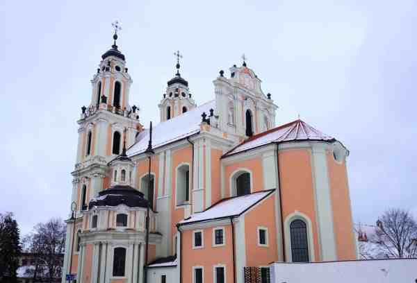 reasons to visit Vilnius, church architecture