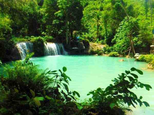 best places to visit in the Philippines Cambagahay Falls