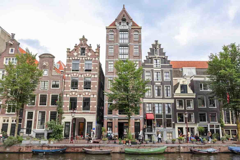 Amsterdam solo travel, Amsterdam houses