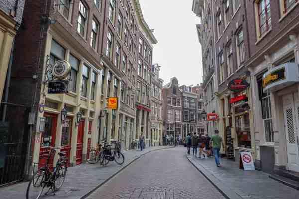 Amsterdam Central to Rijksmuseum, Amsterdam zeedijk street