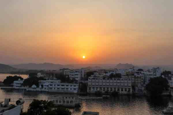 things to do in Udaipur watch sunset from rooftop