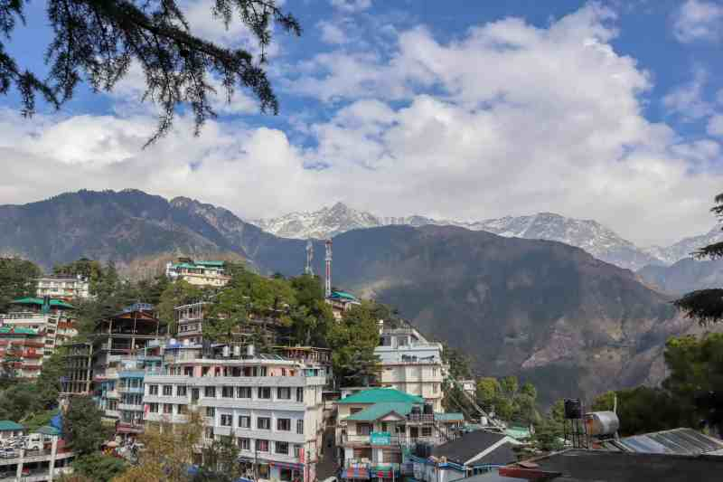 Mountain views from Mcleod Ganj | how to see the dalai lama in India