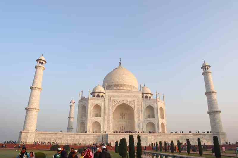 Taj Mahal India and blue sky | planning a trip to India