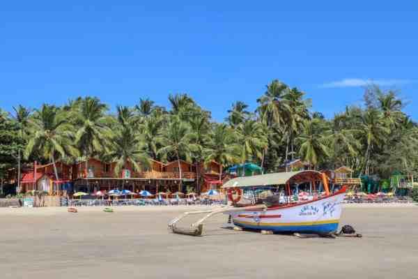 Palolem Beach Boat and Palmtrees | Palolem Beach Guide