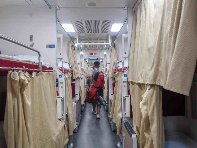 2 weeks in Thailand, bangkok to chiang mai overnight train