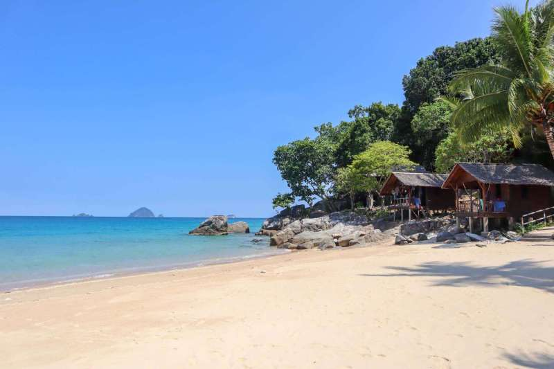 Perhentian Islands Accommodation, best accommodation on perhentian islands Mira Beach Bunaglows