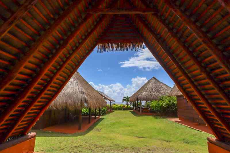 kalinago centre dominica traditional houses | dominica day tours