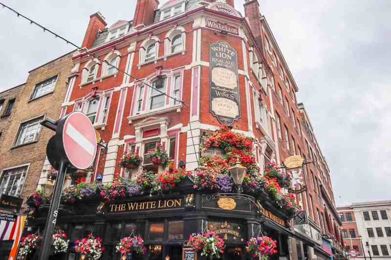 pub with flowers outside | covent garden london guide