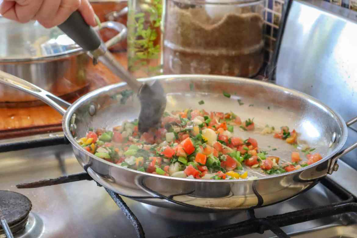 dominica day tours, Cooking Caribbean food in Dominica