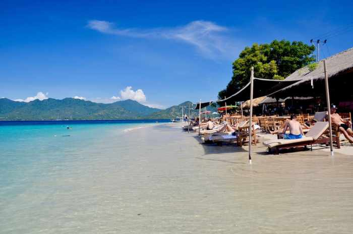 Gilli Islands Sunshine | best places to travel in Asia in July and August