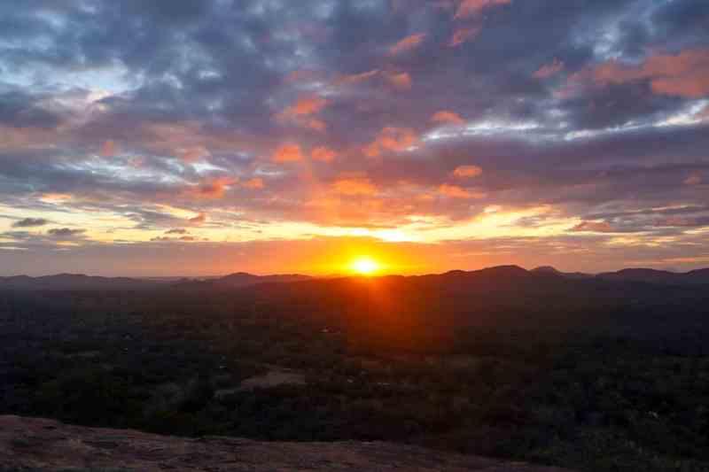 Sunrise in Sigiriya from Pidurangala Rock | Negombo to Sigiriya by bus