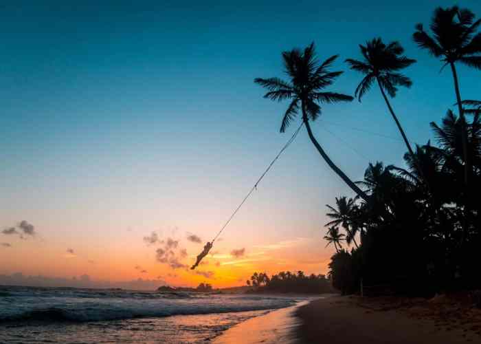 Sri Lanka sunset beach weather | best places to travel in Asia in July and August