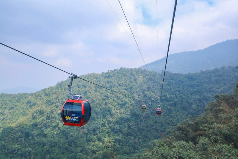 Cable cars over sun moon lake day trip from Taichung