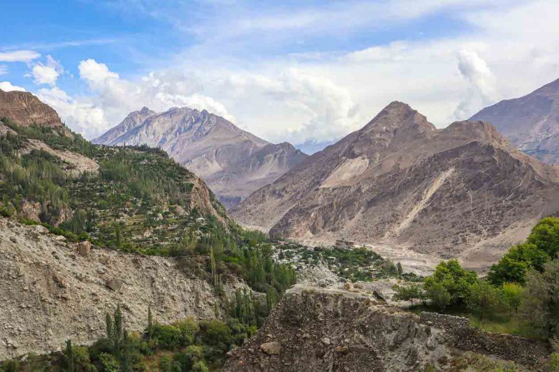 mountains in karimabad | Pakistan itinerary