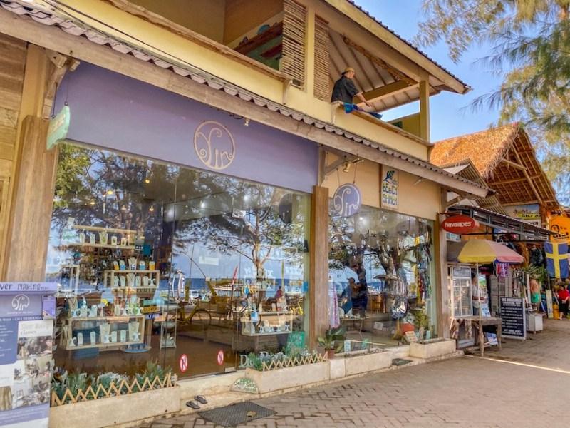 things to do in Gili Trawangan, Yin Jewelry Store, shopping in Gili T