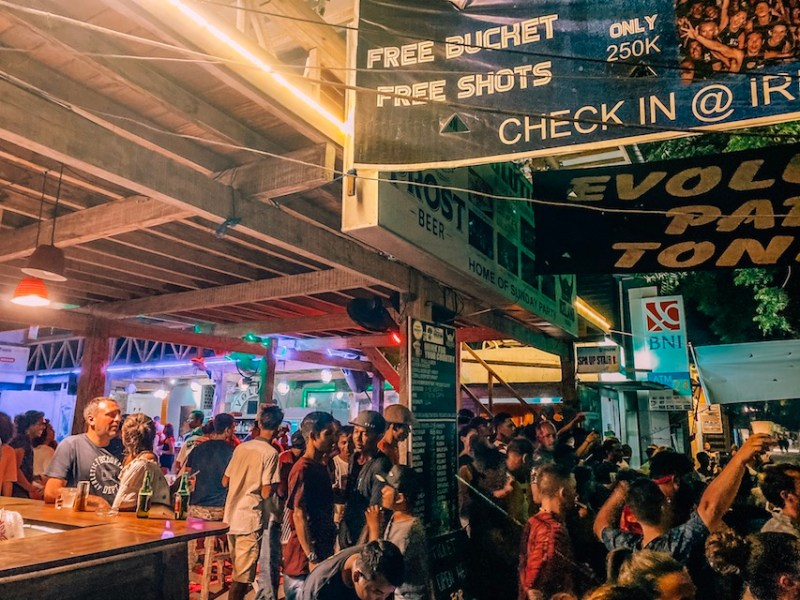 party at Evolution on Gili T | Gili T itinerary