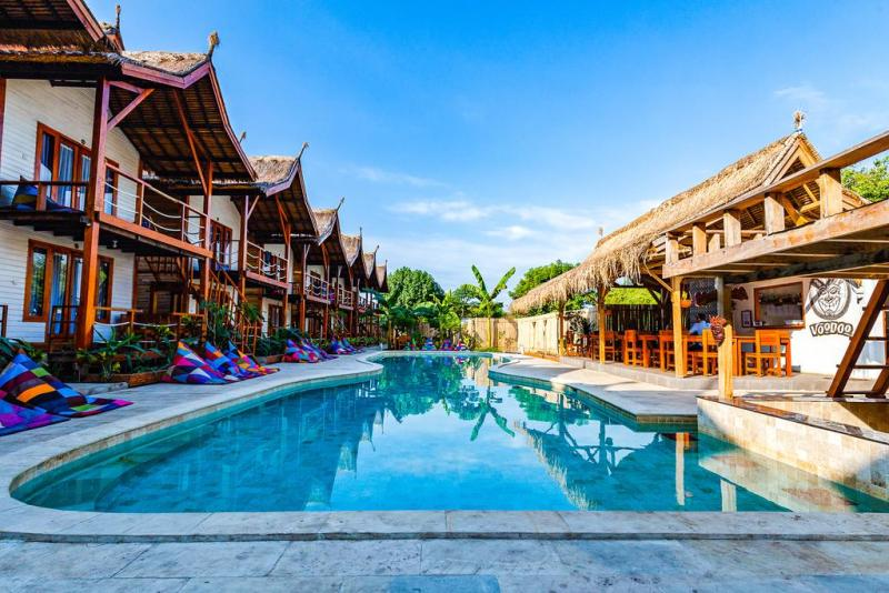Voodoo Gili swimming pool and rooms | best resorts on Gili T