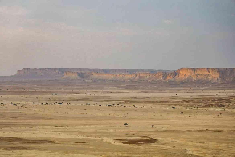 Edge of the World Riyadh Tour, Views of Edge of the World with Riyadh Hiking