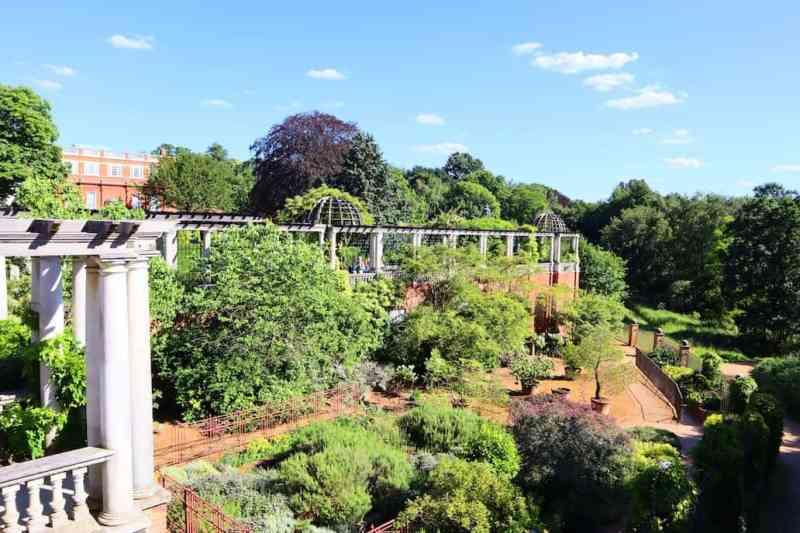 Gardens in Hampstead Heath Pergola Hill Garden