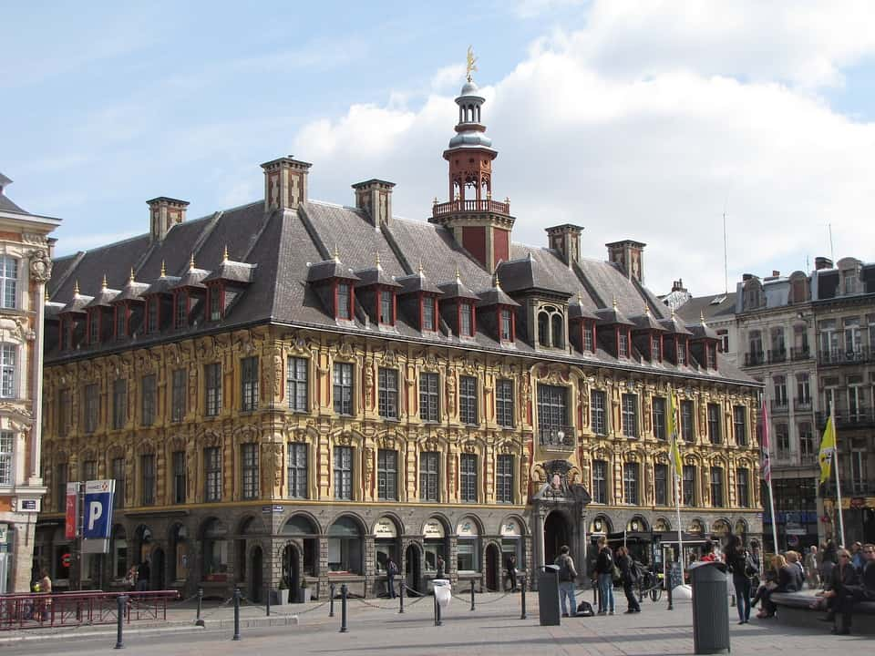 Lille Old building on street | lille day trip from London by train